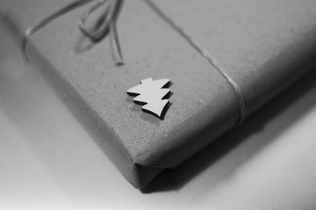 tree symbol gift