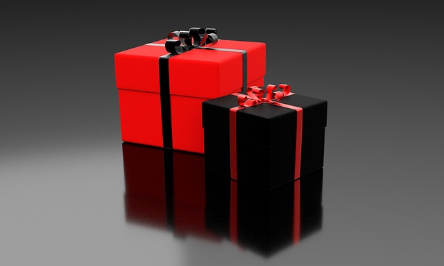 black red giftboxes